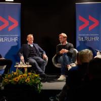 lit.RUHR 2019: Echte Liebe - BVB-Chef Hans-Joachim Watzke, Michael Horeni und Jürgen Klopp über ein Leben mit Borussia Dortmund. © plzzo.com/lit.RUHR