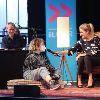 lit.RUHR 2021: Jens Rassmus, Schreibwettbewerbsteilnehmer:in & Anke Engelke ©Ast/Juergens